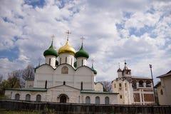 Ρωσική ιστορική παλαιά πόλη Σούζνταλ - το χρυσό δαχτυλίδι, ένα αρχαίο μοναστήρι, θέσεις τουριστών Στοκ φωτογραφία με δικαίωμα ελεύθερης χρήσης