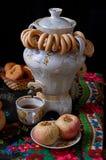 Ρωσική παραδοσιακή τελετή τσαγιού στοκ φωτογραφία με δικαίωμα ελεύθερης χρήσης