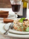 Ρωσική παραδοσιακή σαλάτα Olivier. στοκ φωτογραφία με δικαίωμα ελεύθερης χρήσης