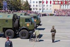Ρωσική στρατιωτική μεταφορά στην παρέλαση την ετήσια ημέρα νίκης Στοκ Εικόνες