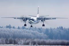 Ρωσικοί ανοιχτοί ουρανοί Antonov ένας-30 Πολεμικής Αεροπορίας ο ΜΑΥΡΟΣ 05 που προσγειώνονται στη βάση Πολεμικής Αεροπορίας Kubink Στοκ εικόνα με δικαίωμα ελεύθερης χρήσης