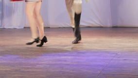 Ρωσικός λαϊκός χορός στη σκηνή απόθεμα βίντεο