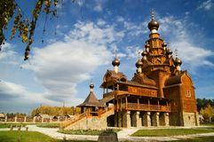 ρωσικός ξύλινος εκκλησιών Στοκ εικόνα με δικαίωμα ελεύθερης χρήσης