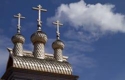 ρωσικός ξύλινος εκκλησ&iot Στοκ φωτογραφία με δικαίωμα ελεύθερης χρήσης