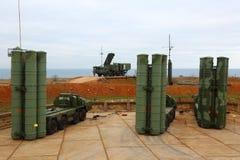 Ρωσικό αντιαεροπορικό πυραυλικό σύστημα μεγάλων και μεσαίας ακτίνας γ-400 Triumf στη Σεβαστούπολη Στοκ Εικόνα