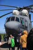 Ρωσικό βαρύ για πολλές χρήσεις ελικόπτερο mi-26 μεταφορών Άποψη του πιλοτηρίου Στοκ εικόνα με δικαίωμα ελεύθερης χρήσης