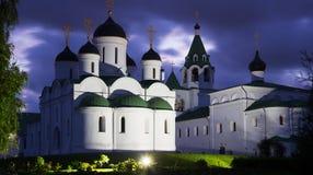 Ρωσικό μοναστήρι το βράδυ Στοκ φωτογραφία με δικαίωμα ελεύθερης χρήσης