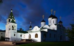 Ρωσικό μοναστήρι το βράδυ Στοκ εικόνα με δικαίωμα ελεύθερης χρήσης