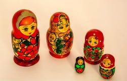Ρωσικό ξύλινο παιχνίδι Matryoshka - πολυ οικογένεια Στοκ εικόνες με δικαίωμα ελεύθερης χρήσης