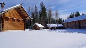 Ρωσικό παραδοσιακό ξύλινο σπίτι αγροτών απόθεμα βίντεο