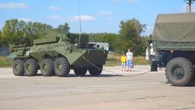 Ρωσικό πολεμικό όχημα πεζικού Αξίας του εξοπλισμού του ρωσικού στρατού απόθεμα βίντεο