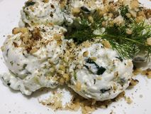 Ρωσικό σαλάτα ή Salade russe φρέσκια σαλάτα Στοκ εικόνα με δικαίωμα ελεύθερης χρήσης