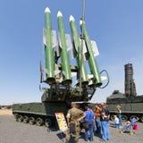 Ρωσικό σύγχρονο αυτοπροωθούμενο μεσαίας ακτίνας εδάφους-αέρος πυραυλικό σύστημα buk-τετρ.μέτρο Στοκ Φωτογραφία