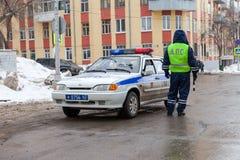 Ρωσικό όχημα περιπόλου της κρατικής αυτοκινητικής επιθεώρησης στο W Στοκ φωτογραφία με δικαίωμα ελεύθερης χρήσης