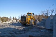 ρόδα πετρών λατομείων φορτωτών Στοκ φωτογραφία με δικαίωμα ελεύθερης χρήσης