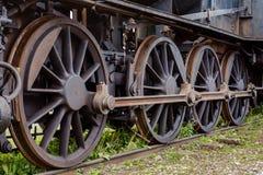 Ρόδες κίνησης από μια παλαιά ατμομηχανή ατμού στοκ εικόνα