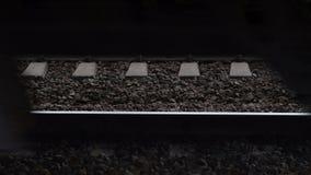 Ρόδες του τραίνου που κινούνται στη υψηλή ταχύτητα απόθεμα βίντεο