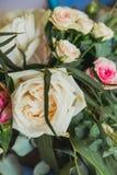 Ρόδινα και άσπρα τριαντάφυλλα Στοκ εικόνες με δικαίωμα ελεύθερης χρήσης