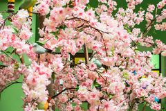 Ρόδινα λουλούδια φιαγμένα από ύφασμα Διακοσμήστε το δωμάτιο στοκ εικόνες