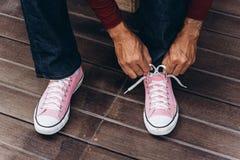 ρόδινα πάνινα παπούτσια Στοκ φωτογραφία με δικαίωμα ελεύθερης χρήσης