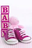 ρόδινα παπούτσια μωρών Στοκ Εικόνες