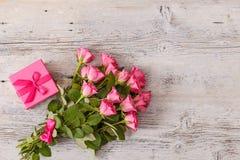 ρόδινα τριαντάφυλλα ανθο& Στοκ εικόνες με δικαίωμα ελεύθερης χρήσης