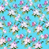 Ρόδινα τριαντάφυλλα και peonies με τα πράσινα φύλλα στο μπλε υπόβαθρο πρότυπο άνευ ραφής Ο ρομαντικός κήπος ανθίζει την απεικόνισ διανυσματική απεικόνιση