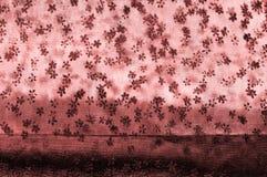 Ρόδινη δαντέλλα στο άσπρο υπόβαθρο Το Extravagance και η κομψότητα είναι COM στοκ φωτογραφία