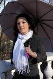 ρόδινη ομπρέλα κοριτσιών κά&t Στοκ φωτογραφίες με δικαίωμα ελεύθερης χρήσης
