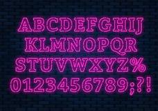 Ρόδινη πηγή νέου Φωτεινά κεφαλαία γράμματα με τους αριθμούς σε ένα σκοτεινό υπόβαθρο διανυσματική απεικόνιση