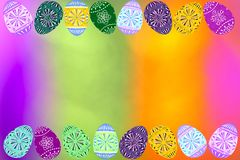 Ρόδινη πορφυρή πράσινη και χρυσή ελαφριά θαμπάδα με την ψηφιακή ταπετσαρία υποβάθρου αυγών Πάσχας στοκ εικόνες