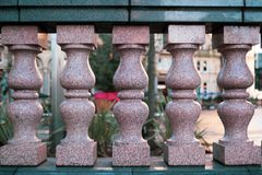 Ρόδινοι στυλοβάτες γρανίτη στοκ φωτογραφία