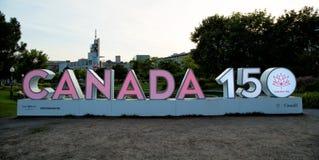 Ρόδινο σημάδι για τον εορτασμό 150 του Καναδά Στοκ φωτογραφία με δικαίωμα ελεύθερης χρήσης