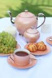 ρόδινο τσάι υπηρεσιών Στοκ φωτογραφία με δικαίωμα ελεύθερης χρήσης
