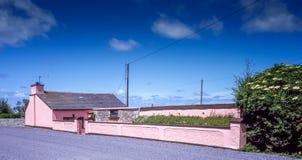 Ρόδινο Dingle εξοχικών σπιτιών Στοκ φωτογραφία με δικαίωμα ελεύθερης χρήσης