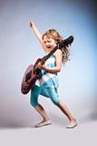 ρόλος βράχου κοριτσιών Στοκ εικόνες με δικαίωμα ελεύθερης χρήσης