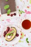 Ρόλος κέικ σφουγγαριών Στοκ Εικόνες