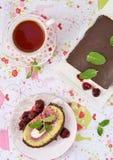 Ρόλος κέικ σφουγγαριών Στοκ Φωτογραφίες