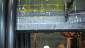 Ρόλος που περνά κλωστή στο σωλήνα σπειρών Κατασκευή του πλαστικού εργοστασίου υδροσωλήνων Διαδικασία τους πλαστικούς σωλήνες στη  φιλμ μικρού μήκους