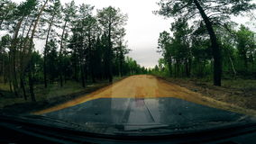 δρόμος προαστιακός Άποψη από τον ανεμοφράκτη αυτοκινήτων 4K στοκ φωτογραφία με δικαίωμα ελεύθερης χρήσης