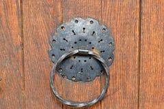 Ρόπτρα πορτών σιδήρου Στοκ φωτογραφία με δικαίωμα ελεύθερης χρήσης