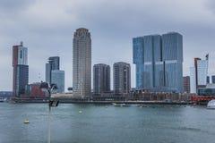 Ρότερνταμ, νότια Ολλανδία/οι Κάτω Χώρες - 17 Μαρτίου 2018: Ορίζοντας πόλεων όπως βλέπει από το Rijnhaven Στοκ φωτογραφία με δικαίωμα ελεύθερης χρήσης