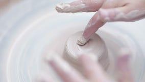 ρόδα εργαλείων αγγειοπλαστών τεχνών απόθεμα βίντεο