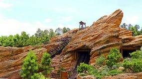 Ρόλερ κόστερ σταχτύ gulch Disneyland Hong Στοκ Εικόνες
