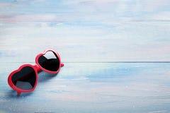 ρόδινα γυαλιά ηλίου Στοκ Εικόνες