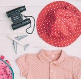 Ρόδινα εξαρτήματα μόδας ταξιδιού Girly Στοκ φωτογραφία με δικαίωμα ελεύθερης χρήσης