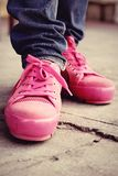 Ρόδινα πάνινα παπούτσια - εξαρτήματα και φορετός (πάνινα παπούτσια) Στοκ φωτογραφίες με δικαίωμα ελεύθερης χρήσης