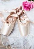 ρόδινα παπούτσια μπαλέτου Στοκ Φωτογραφίες