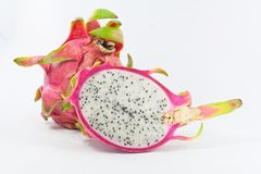 Ρόδινα φρούτα δράκων που απομονώνονται στο άσπρο υπόβαθρο Στοκ φωτογραφία με δικαίωμα ελεύθερης χρήσης