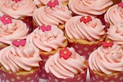 Ρόδινα cupcakes Στοκ φωτογραφίες με δικαίωμα ελεύθερης χρήσης